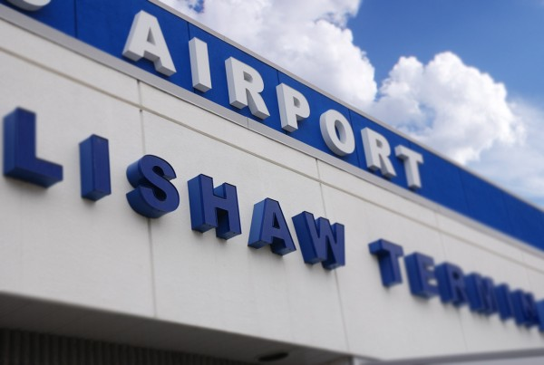 Nanaimo_Airport_Sign